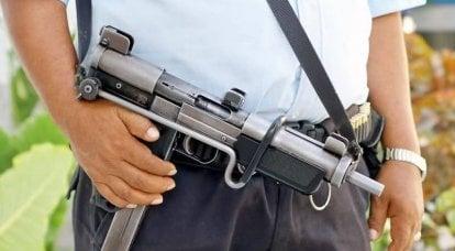 """冲锋枪""""Uzi""""对抗""""Mauser""""和""""Erma"""""""