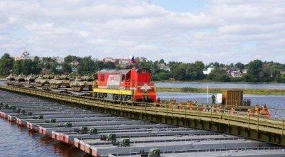 在雅罗斯拉夫尔下经历了一座新的铁路桥梁IMZH-500