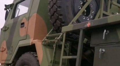 Fotos des chinesischen MLRS B-12 basierend auf dem FAW 4x4 für die Luftlandetruppen erschienen