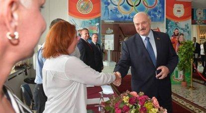 退出民意调查数据:卢卡申卡(Lukashenka)遥遥领先于白俄罗斯总统选举
