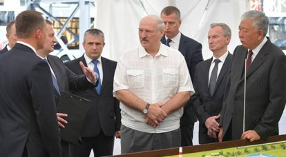 """Lukashenka named Russians among those who """"cross themselves"""" in case of strikes at Belarusian enterprises"""