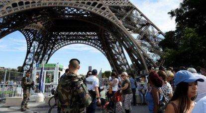लक्ष्य एफिल टॉवर है। फ्रांस आतंकवाद को क्यों नहीं मिटा सकता?