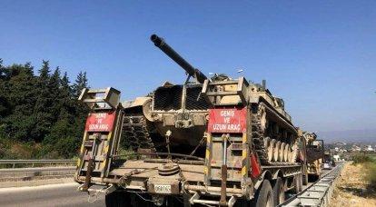 Die Türkei zieht gepanzerte Fahrzeuge an die syrische Grenze