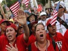 Il famoso economista Stiglitz dichiara: la situazione negli Stati Uniti è sempre più simile alla situazione in Egitto e in Tunisia.