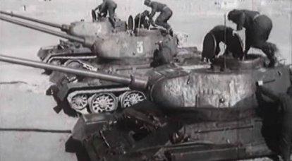 「行進後、あなたは骨の袋のように感じます」:T-34ドライバーの物語