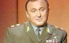 """कैसे """"सर्वश्रेष्ठ"""" रक्षा मंत्री ने सोवियत विरासत की लड़ाई लड़ी"""