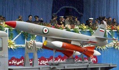 イランは壮大な軍事PRキャンペーンを続ける