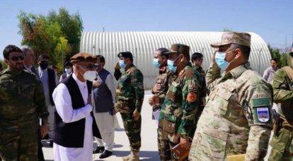 アフガニスタンのほぼすべてに夜間外出禁止令が課されています。タリバンはますます多くの領土を支配しています。
