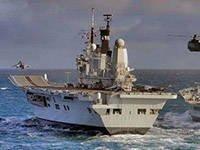 イギリス艦隊は唯一の空母を失った