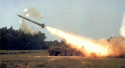 "Sistema de mísseis tático 9K52 ""Luna-M"""
