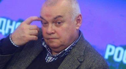 जेनरल क्रास्नोव और व्लासोव: जो उन्हें आगे रखने से लाभान्वित होते हैं?