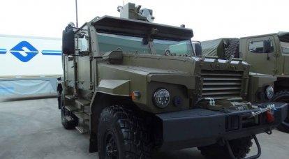 """""""乌拉尔""""在""""Army-2018""""论坛上展示了它的汽车"""