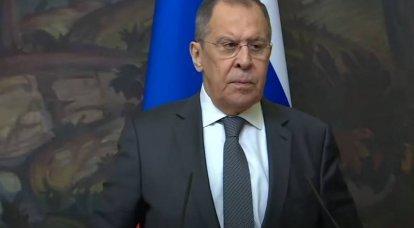 लावरोव ने इराक में हथियारों की आपूर्ति के लिए रूस की तत्परता की घोषणा की
