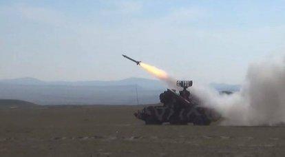 In Baku überfielen sie Armenien sarkastisch und führten selbst Übungen mit dem Osa-Luftverteidigungssystem durch