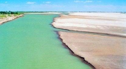 口渴。 阿姆河流经的地方
