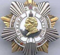 Medvedev premiado com o Regimento da Ordem de Kutuzov de forças especiais das Forças Aerotransportadas