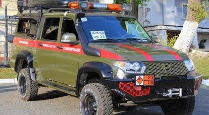 UAZ-2363ピックアップトラックに基づいて最新の特別な地雷除去車両がどのように装備されているか