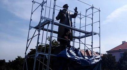 Prag'daki Mareşal Konev Anıtı'nın yıkılması: Hiç değerli bir yanıt izlenmedi