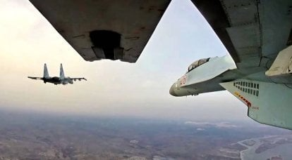 RF strikes central Syria, simultaneously pulling troops north