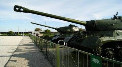 सैन्य उपकरणों का संग्रहालय नोवोरोसिस्क: काला सागर के स्टील के दिग्गज (फोटो निबंध)। 2 का हिस्सा