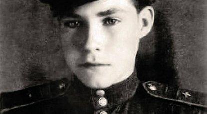 Arkady Kamanin: Büyük Vatanseverlik Savaşı'nın en genç pilotu