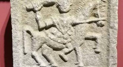 Acertijo: jinetes en bajorrelieves con palos en la mano
