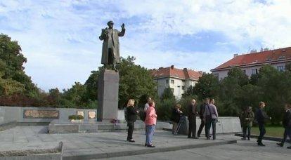 De las sanciones al desmantelamiento del monumento al mariscal Konev: la prensa checa recordó los pasos antirrusos de las autoridades del país