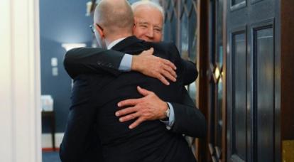 Kiev'deki politikacılar yine başkanlık koltuğunu denemeye başladı