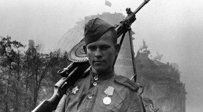 """सोवियत सैनिक-मुक्तिदाता कैसे """"बलात्कारी"""" में बदल गए"""