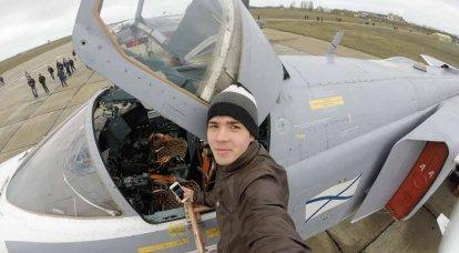 Base aérea russa na Criméia abriu as suas portas para todos
