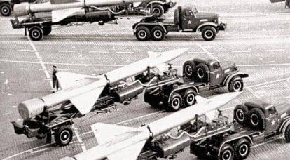 """Système de missiles anti-aériens C-25: """"Golden Eagle"""" sur la garde de la capitale"""