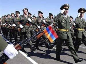 外国の専門家の目を通してアルメニア軍