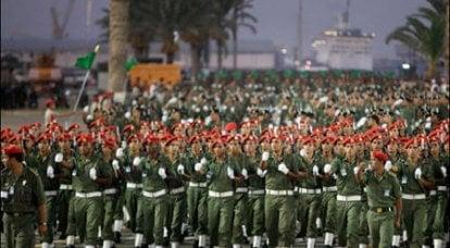 小さなリビア軍が歯に武装しています。