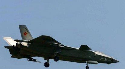 중국에서는 현대화 전투기 J-20이 F-35를 능가하는 매개 변수를 명명했습니다.
