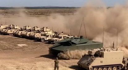 """Le nouveau BMP """"Lynx"""" est passé devant les troupes de l'OTAN"""