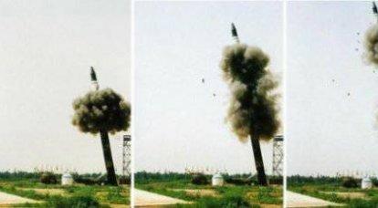 中国 - 弾道ミサイルJuylan-2のテスト
