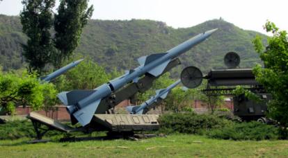 中国防空导弹复合体HQ-2