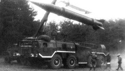 用于军事目的的卡车起重机