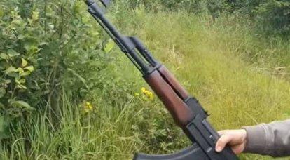 国益「セルフクリーニングAK-47の神話を暴く」
