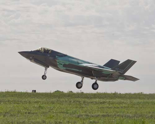 Российский ПАК ФА роняет цену на F-35