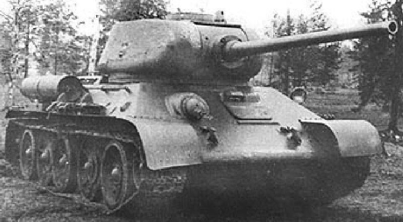 85-мм орудия в АБТВ РККА Первые 85-мм танковые орудия появились в СССР.