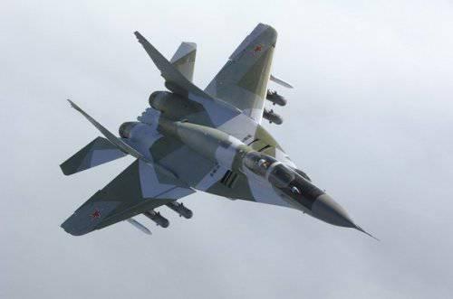 """Россия и Китай столкнулись на мировом рынке оружия: Пекин продает дешевого """"убийцу МиГ-29"""""""