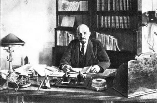 Почему Ленин и Троцкий утопили  русский флот (Часть 2)