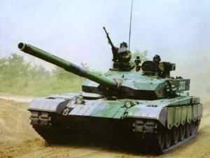 중국은 모로코와 미얀마에 MBT-2000 탱크를 설치했다.