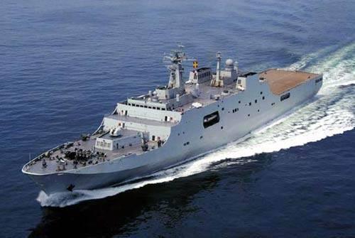 अदन की खाड़ी में, चीनी जहाजों ने 21 जहाज के एक काफिले पर समुद्री डाकुओं के हमले को दोहराया
