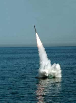 軍部は新しいICBMを採用することを急いでいますか?