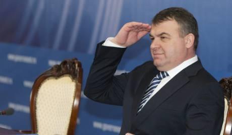 Putin forderte Serdyukov auf, einen Rücktrittsbericht zu schreiben