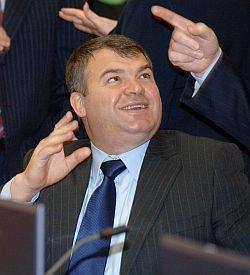 俄罗斯军事界 - 反对国防部长