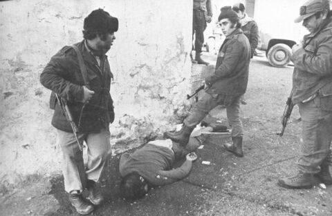 इस्लामवादियों द्वारा पीएलओ यासर अराफ़ात के शहर दामुर (1976 वर्ष) में लेबनानी ईसाइयों का नरसंहार