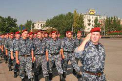 """यूक्रेन के आंतरिक मामलों के मंत्रालय की रैपिड रिस्पांस यूनिट """"गोल्डन ईगल"""""""